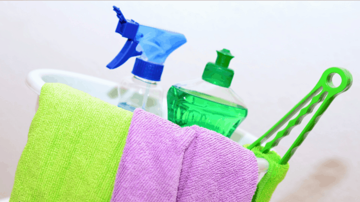 How Working Moms Handle House Cleaning